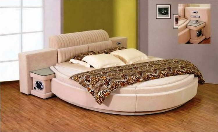 Bedroom Designs with Round Bed
