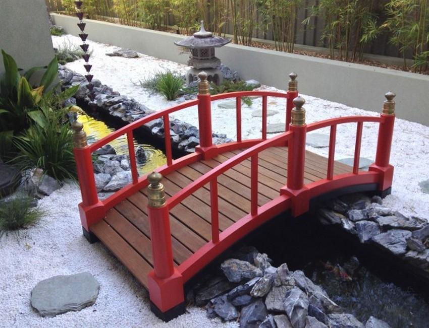 Garden Bridge for Decorate Front Yard