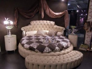 Luxurious Bedroom Design Round Bed