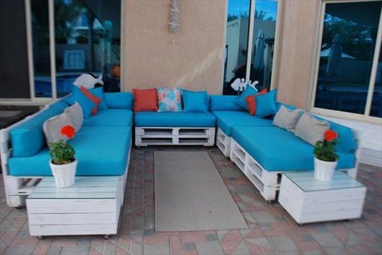 Pallet Living Room Sitting Plan
