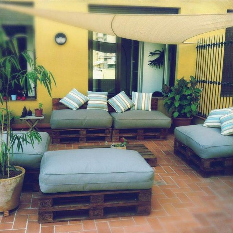 Pallet Living Room Sofa and Chairs