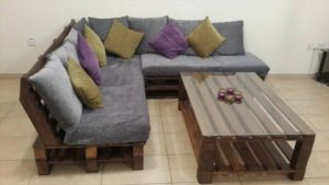 Pallet Living Room Sofa with Table