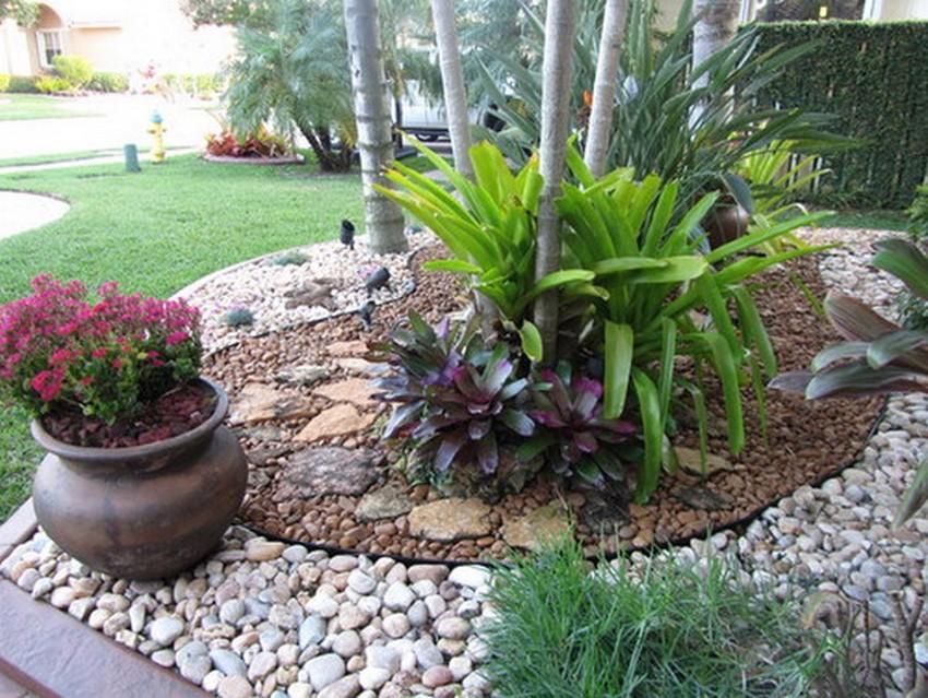 Small Garden Design with Rocks
