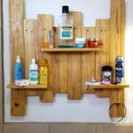 Pallet-Bathroom-Shelf
