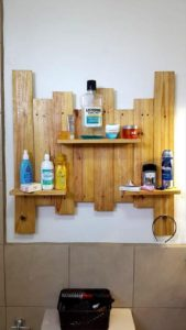 Pallet-Bathroom-Shelf