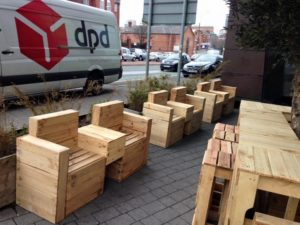 Pallet-Outdoor-Seating