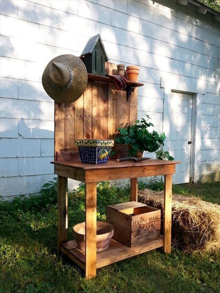 Pallet-Potting-Bench