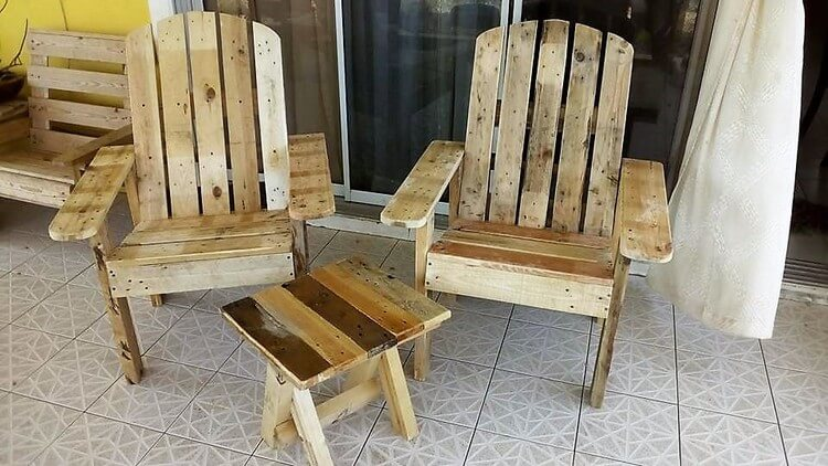 Pallet Chairs and Small Table