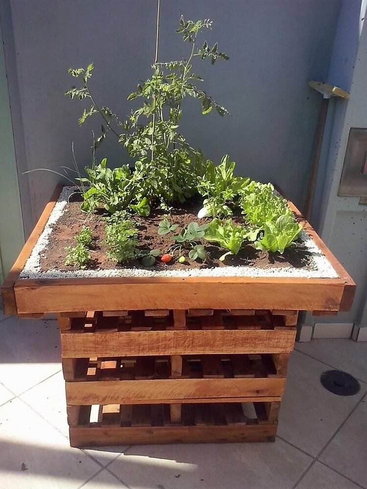 Pallet Raised Garden Table