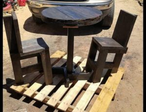 Pallet Round Table and Chairs with Terrace
