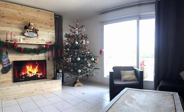 Pallet Wall and Fireplace