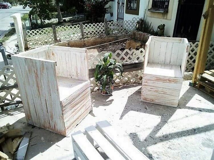 Recycled Wood Pallet Chairs