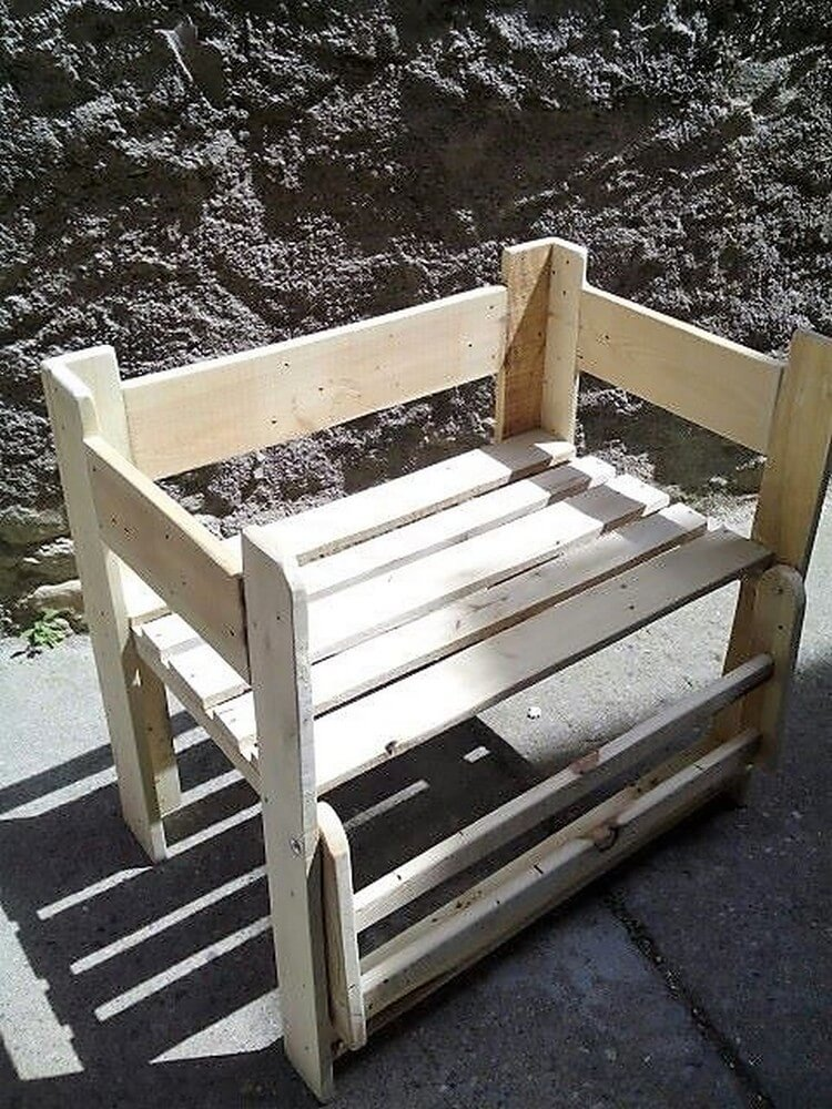 Unique Wood Pallet Chair