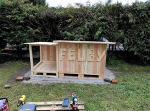 Wood Pallet Garden Cabin or Shed