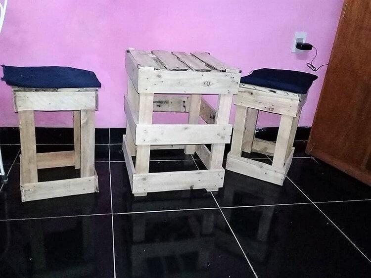 Wood Pallet Stools