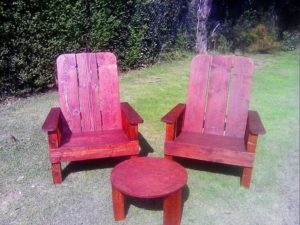 Pallet Chairs and Round Table Garden Furniture Set