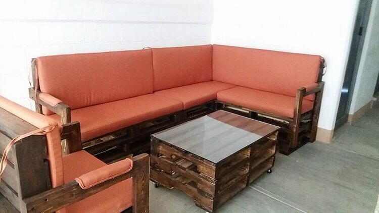 Pallet L Shaped Couch and Center Table