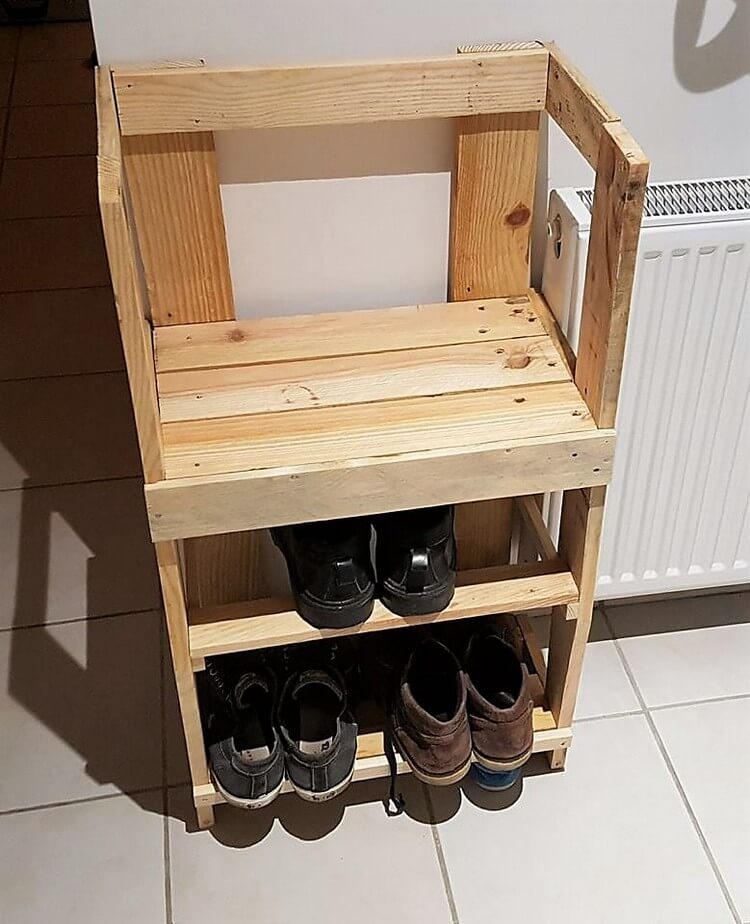 Pallet Chair with Shoe Storage