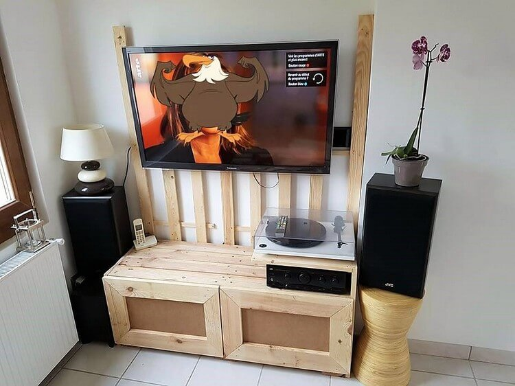 Pallet LED Holder and Media Cabinet