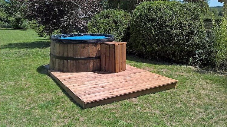 Pallet Swiming Pool with Deck