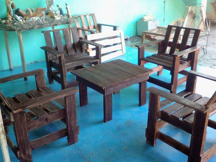 Pallet Patio Furniture Set