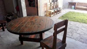 Pallet Round Top Table and Chair