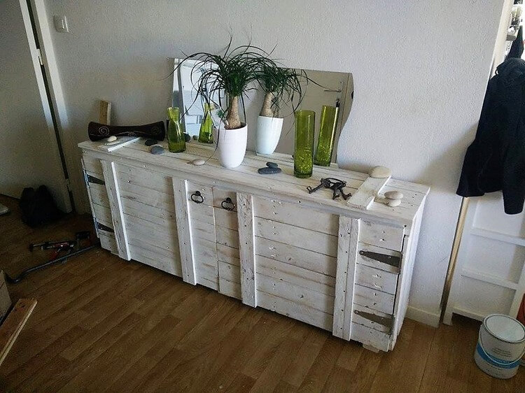 Recycled Pallet Cabinet