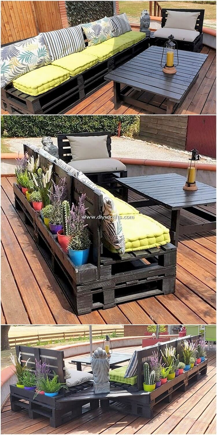 Pallet Wood Couch and Table